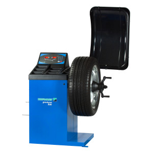 hofman-wheel-balancer-at-tyreworld-in-speke-liverpool
